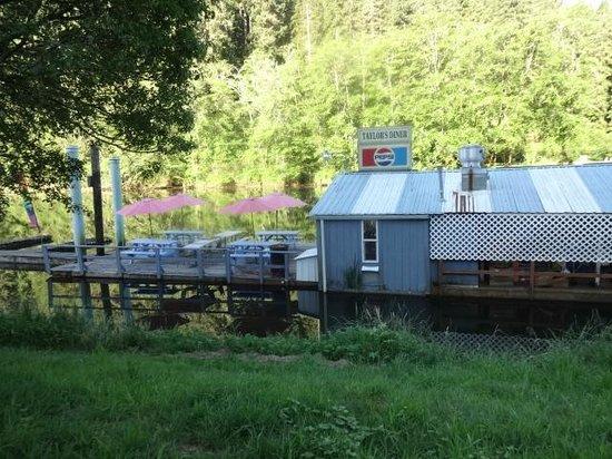 Jamie's Dockside Diner at Taylor's Landing: 2