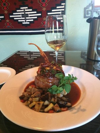 Desert Bistro: Bison tenderloin with peppers