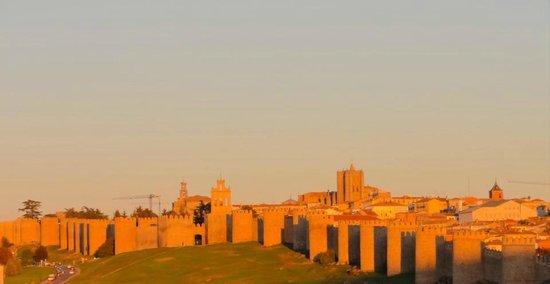 El Linaje de Los Cincosombreros: Avila a 9km ciudad Patrimonio de la Humanidad