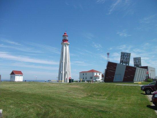 Site historique maritime de la Pointe-au-Pere : Le phare, 128 marches, l'un des plus hauts du Canada