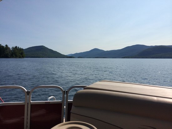 Captain Bob's Pontoon Boat Rentals: Beautiful day