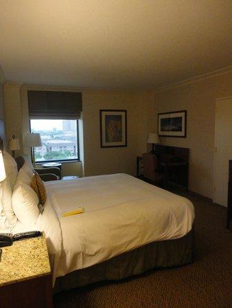 JW Marriott Houston : Room