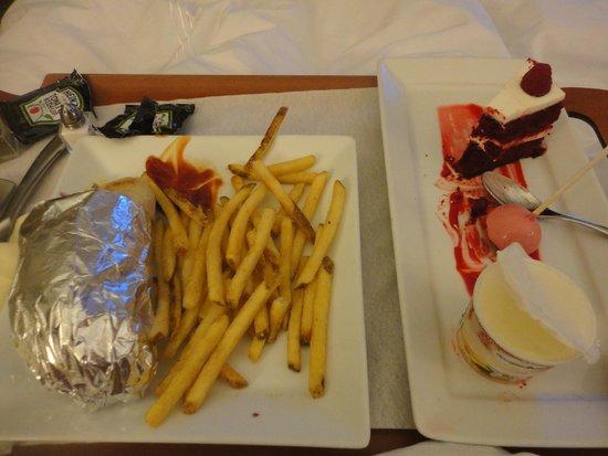 JW Marriott Houston: Dinner and dessert