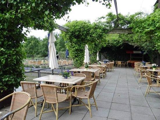 Panorama Restaurant De Blaauwe Kamer: the terrace