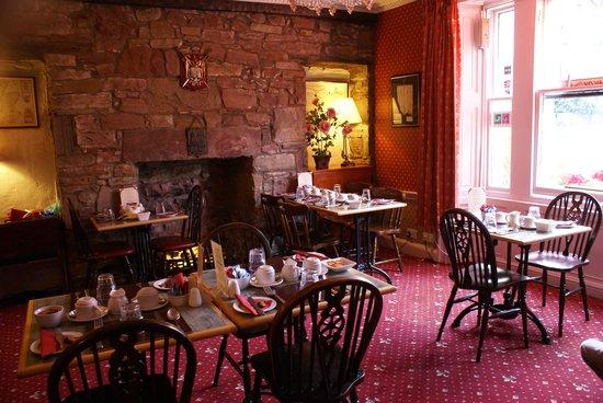 Averon Guest House : salle du petit dej