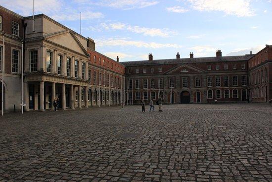Jurys Inn Dublin Christchurch: Dublin Castle - nearby