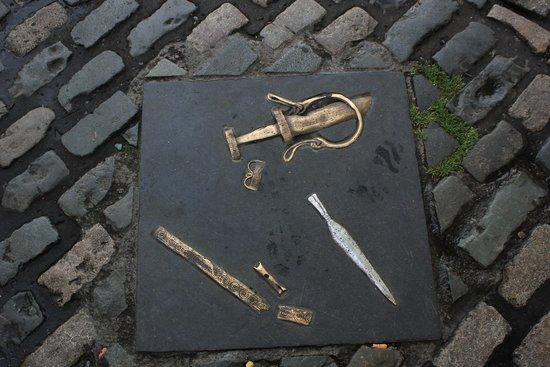 Jurys Inn Dublin Christchurch: street decor