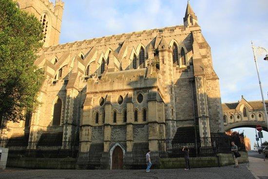 Jurys Inn Dublin Christchurch: ChristChurch - across street