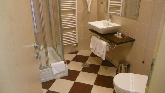 Kleine Wellness Badkamer : Badkamer picture of wellness & spa hotel villa magdalena