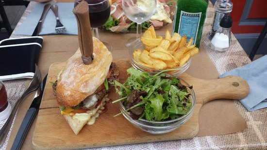 A BOIRE A MANGER : Le burger camembert