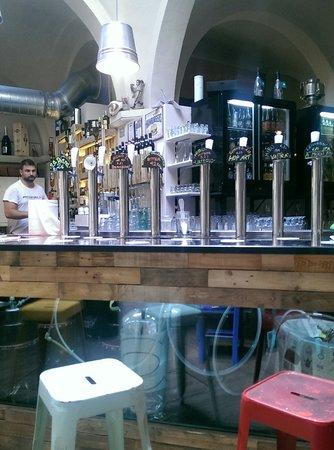 La Diana: Locale .birre