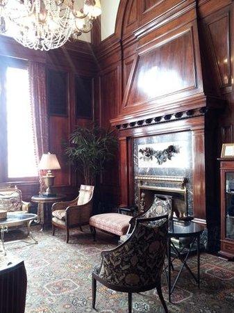 Benson Hotel: lovely lobby