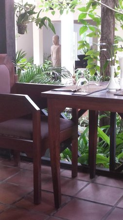 The Moon Boutique Hotel : Beautiful restaurant and gardens