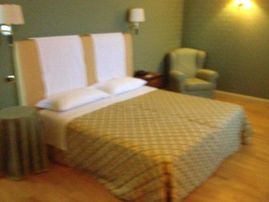Best Western Grand Hotel Guinigi : Bedroom