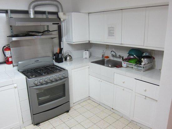 Art Deco Suites: Main Kitchen
