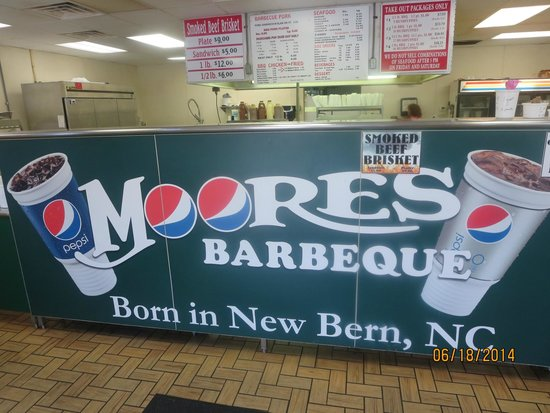 Moore's Olde Tyme Barbeque: Yeap, you're at Moore's