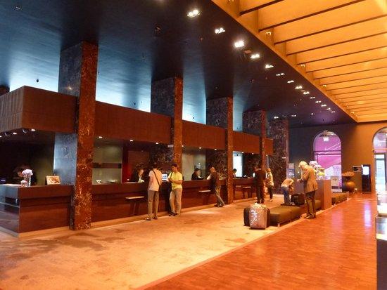 Sofitel Munich Bayerpost: Le lobby