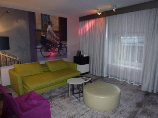 Sofitel Munich Bayerpost: Notre Junior Suite : le salon