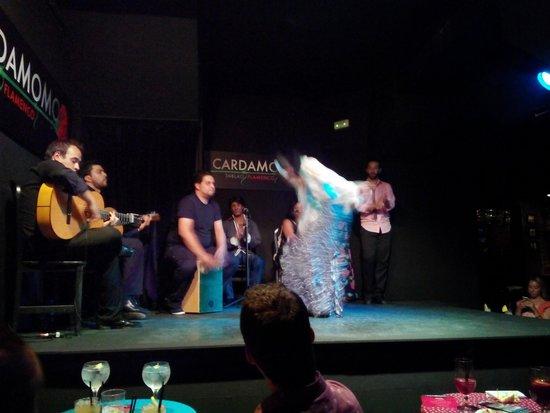 Cardamomo Tablao Flamenco : Bailar