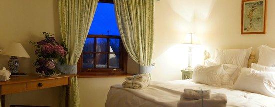 Richmond House Cottages: Ship Ahoy Cottage bedroom