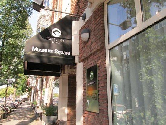 Conscious Hotel Museum Square: ENtry