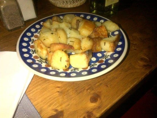 Trattoria dei 13 Gobbi : pommes de terre!!!