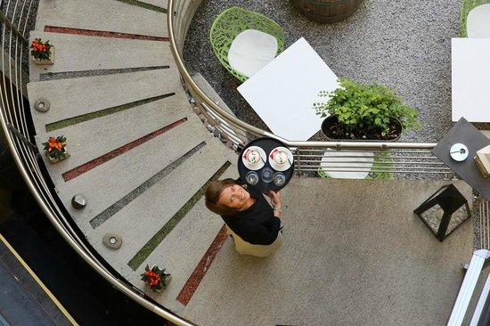 Hotel Rathaus Wein & Design: Coffee is ready