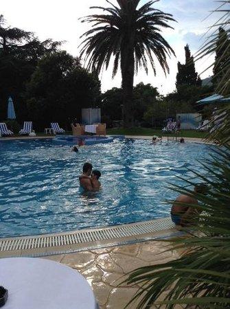 Hotel Rivijera: басеейн