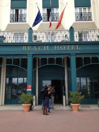 Beach Hotel : Facade