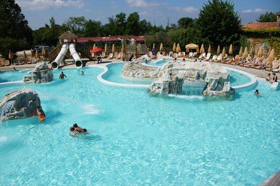 Piani Di Clodia: One of the pools