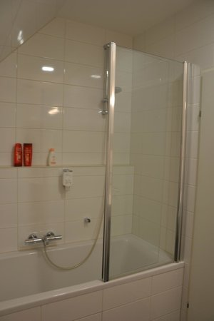 Hotel Atlantis Vienna: The bath
