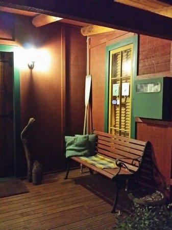 The River Lodge: Enterance