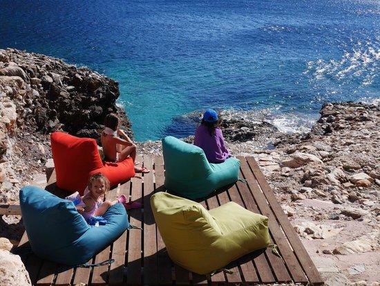 Delfini Hotel Sifnos : la crique