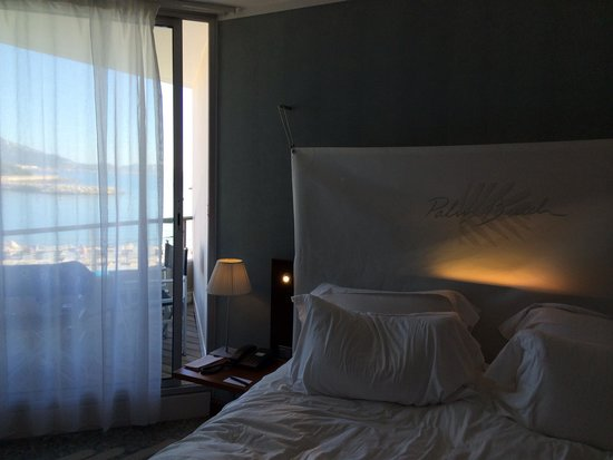 nhow Marseille Palm Beach : Chambre de luxe vue mer