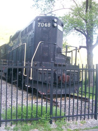 Horseshoe Curve National Historic Landmark: Locomotive at the top of mountain