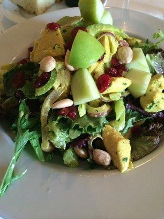 Los Olivos Wine Merchant & Cafe: chicken salad! mmmm good....