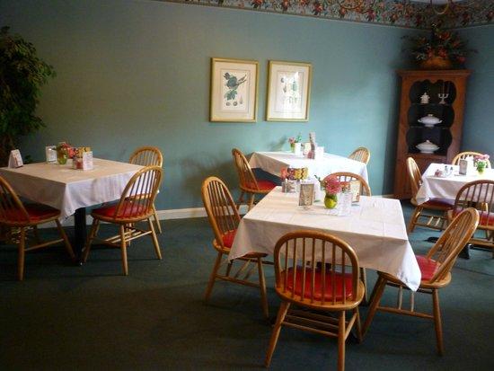 Kurtz Restaurant: Brighter front room