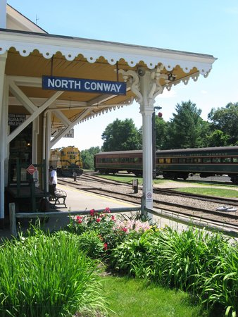 Conway Scenic Railroad : View from station platform