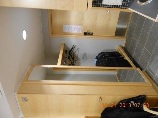Levi Hotel Spa: Storage Area