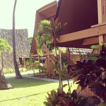 Hotel Molokai: the grounds