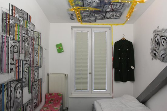 Arte Luise Kunsthotel: Номер, посвященный разделению Берлина