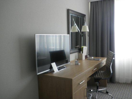 DoubleTree by Hilton Hotel Dublin - Burlington Road: Bedroom