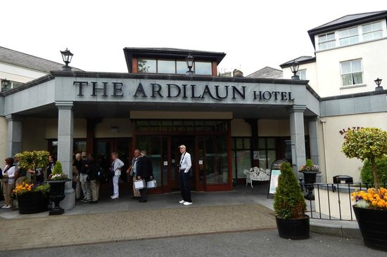 The Ardilaun Hotel : Front Entry