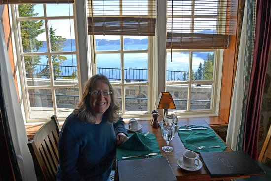 Crater Lake Lodge: Lodge Restaurant - View of the Lake