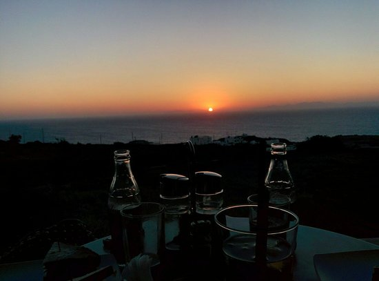 Sunset in Oia: A nice sunset, but not super special