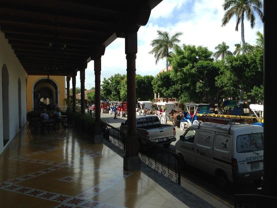 Hotel Plaza Colon: Hotel Patio