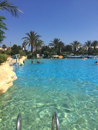 Medina Belisaire & Thalasso : View from our sunbeds