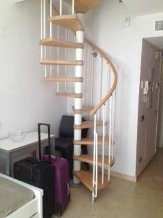 Apartamentos Pierre & Vacances Benalmadena Playa: escaleras