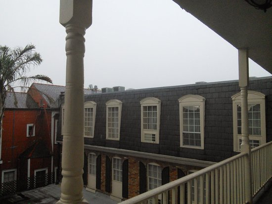 Best Western Plus French Quarter Landmark Hotel: another view from room