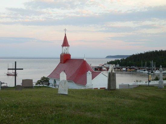 Auberge la Sainte Paix : vue sur l'église